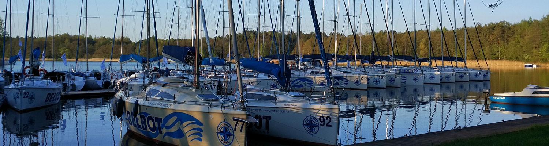 Niezawodna i dopracowana flota jachtów na Mazurach